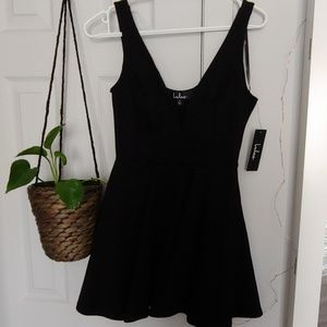 Lulus black skater dress brand new with tag size s